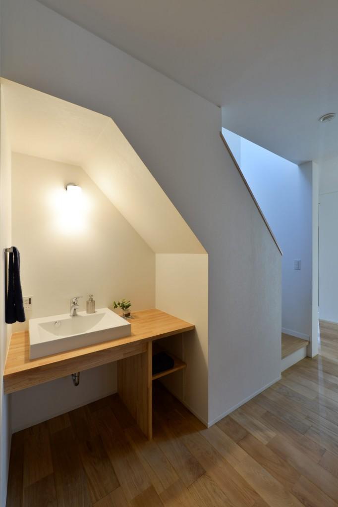 【階段下トイレ手洗い】9-scaled